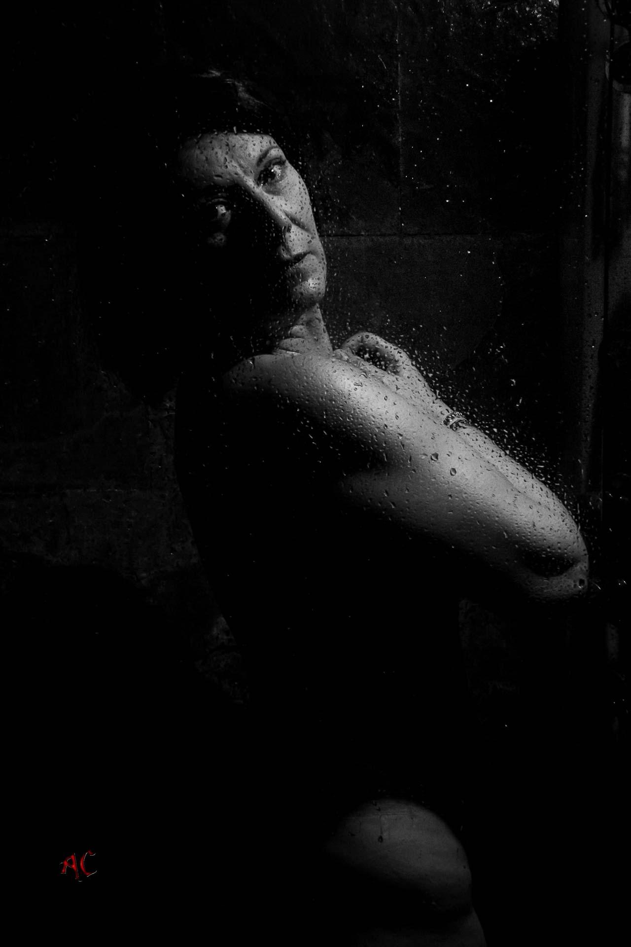 Desnudo artistico en la ducha