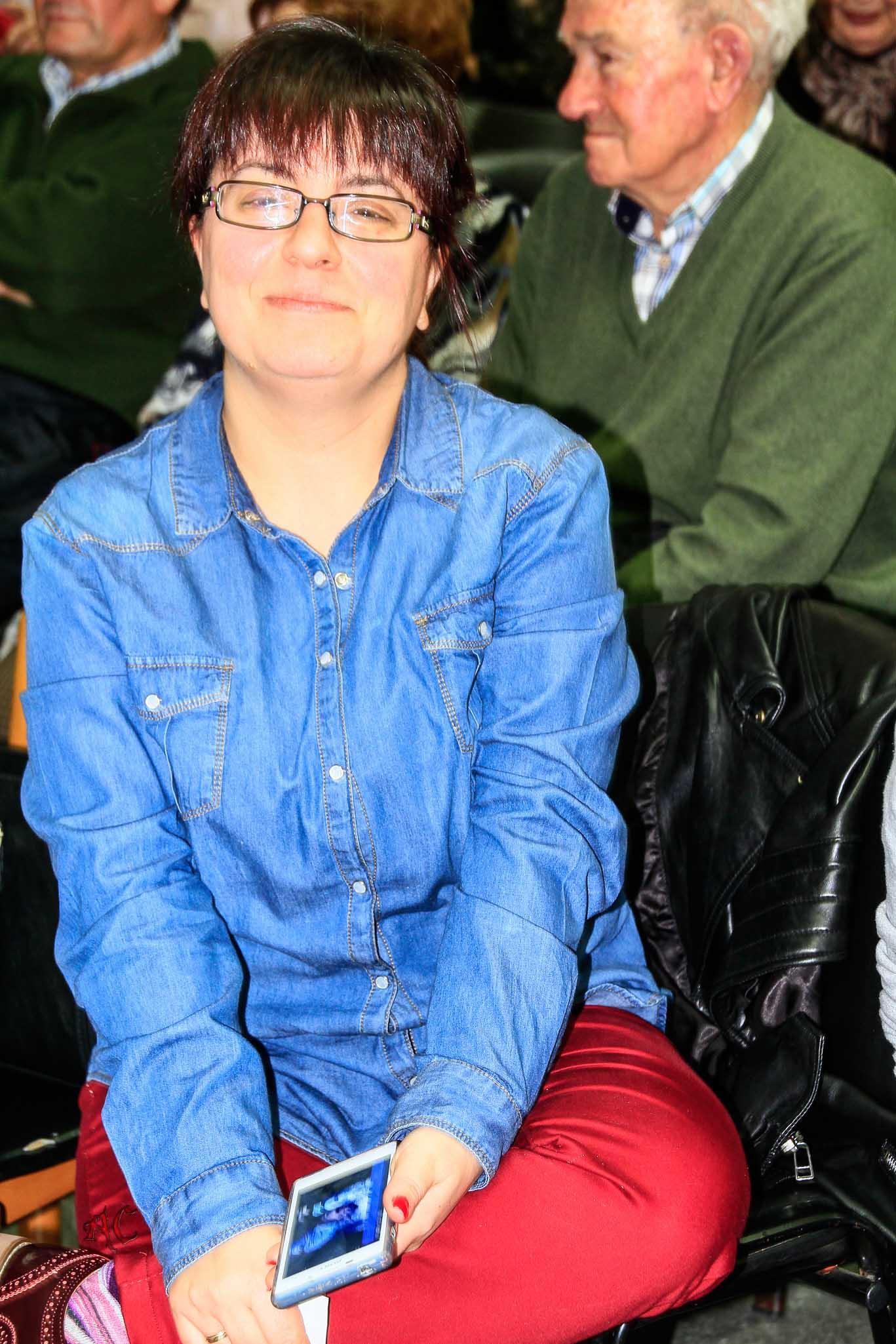 una joven participante del Show