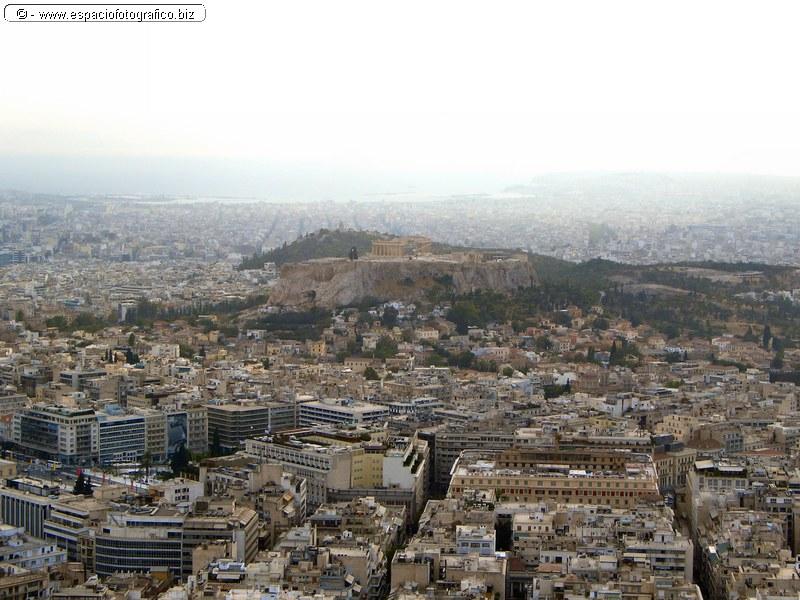 Vista de la acropolis y el Pireo desde la colina de los lobos