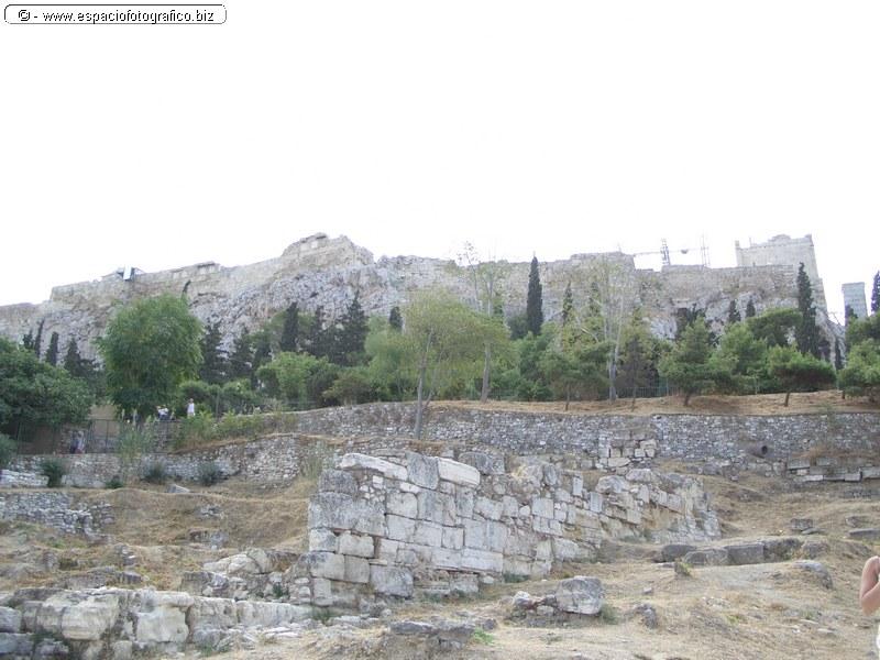 Vista trasera de la Acropolis