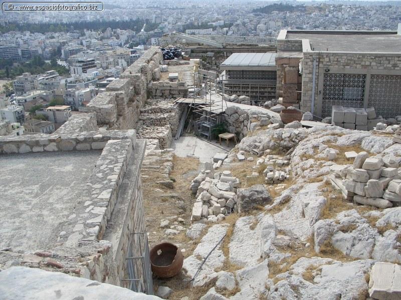 Obras de restauracion en La Acropolis