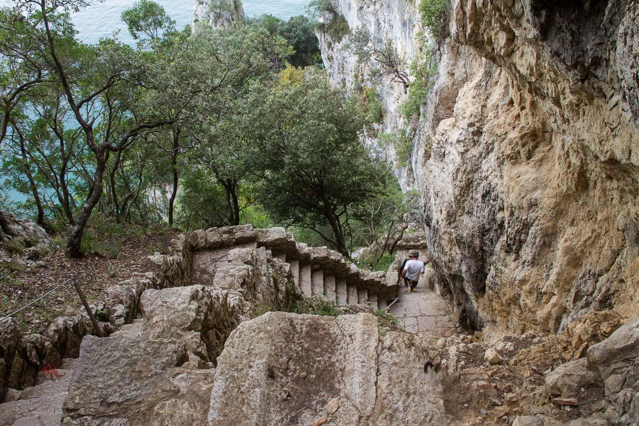 escaleras del faro del caballo