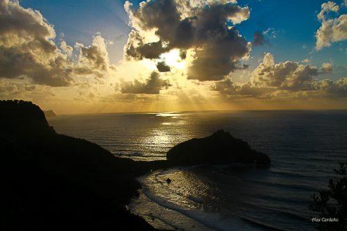 Vista del anochecer en San Juan de Gaztelugatze, Bermeo.