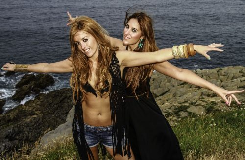 Ainhoa y Joana en cobaron