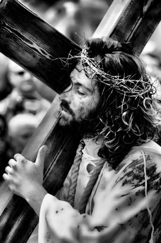 Pasión Viviente  de Arkotza, Jesús con la cruz