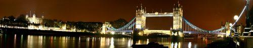 Panoramica del puente de Londres nocturna