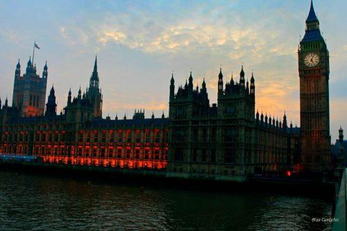 Vista de la Torra de Londres y el parlamento
